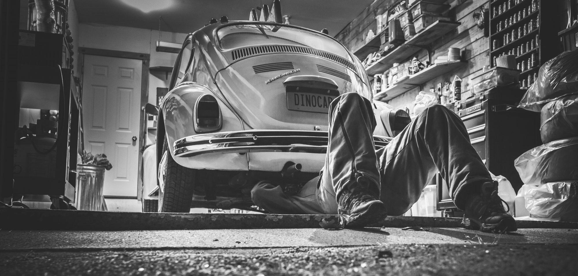 """US- Stahlwerk """"Verkauf&Reparaturen von Motorrädern und Autos"""""""